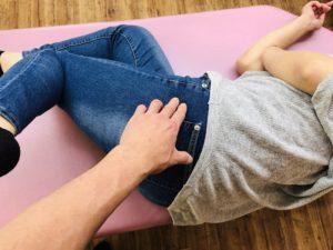 股関節へのアプローチ